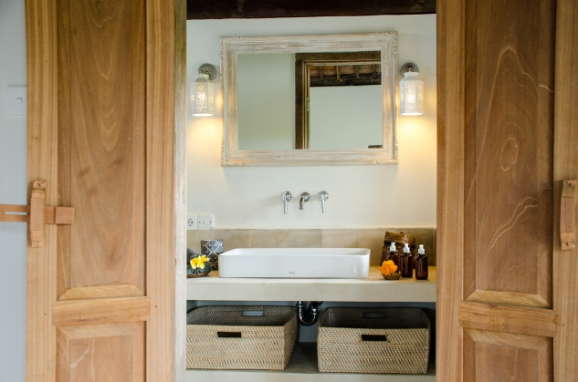 Azadi Retreat Bathroom