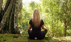5-ways-meditation-lessens-distraction
