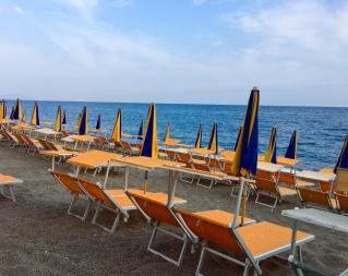 ischia organge chairs